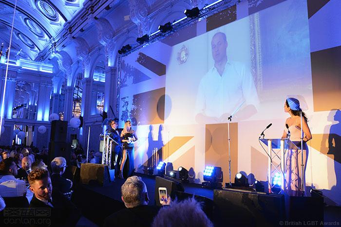 英国同志颁奖礼,威廉王子当选年度盟友