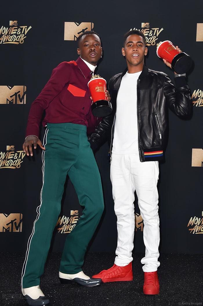 《月光男孩》同性CP赢得MTV最佳接吻奖