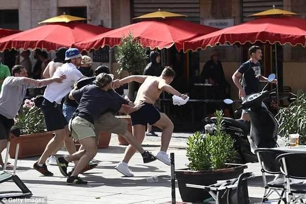 俄罗斯足球流氓放话:世界杯期间专揍同性恋、变性者和英格兰球迷