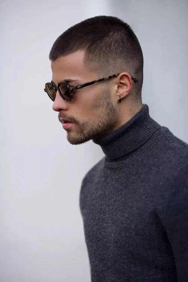 你们说:秋冬最适合的男生发型是什么?