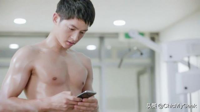 穿衣显瘦,脱衣有肉!韩国男星肌肉排行榜,宋仲基只第五名