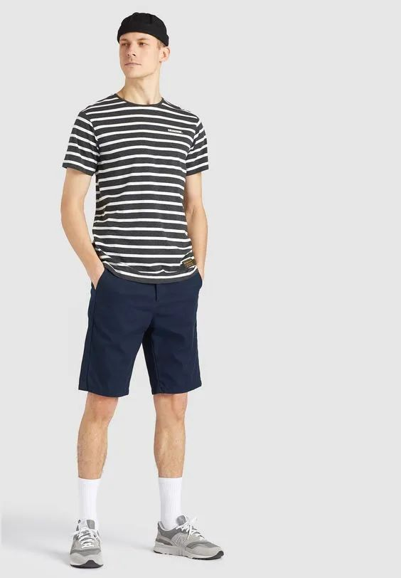 男士穿条纹T恤很小气?那是你对它不了解,这样穿优雅时髦