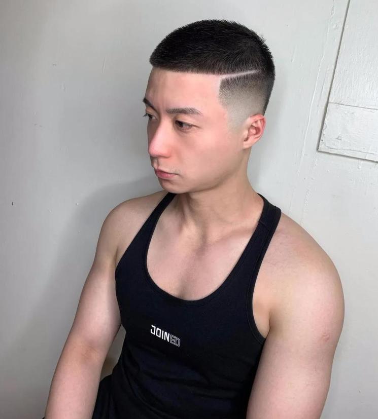 """男生剪腻了""""短盖头""""发型,不妨试试这4款造型,清爽时尚显帅气"""